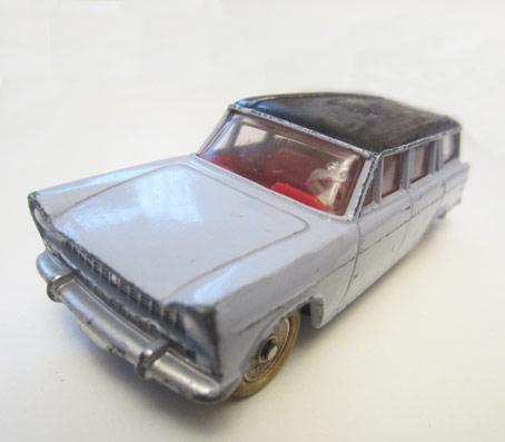 Jouet ancien Dinky Toys : Fiat 1800 Break